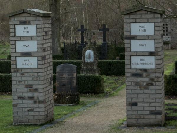 Friedhof Tor